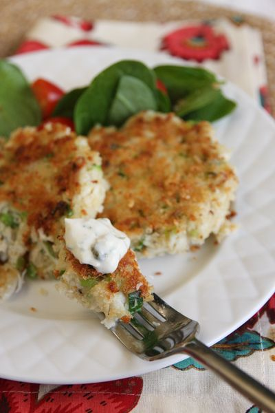 Easy crab cake w/ Remoulade | Food for Thought | Pinterest