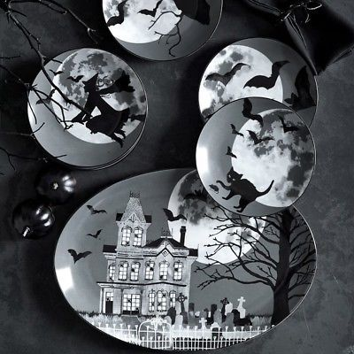 Set of 4 Vintage Style Halloween Moon B&W Salad Plates New SOLD OUT  Wm Sonoma