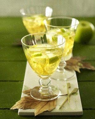 Das Rezept für Apfel-Cocktail und weitere kostenlose Rezepte auf LECKER.de