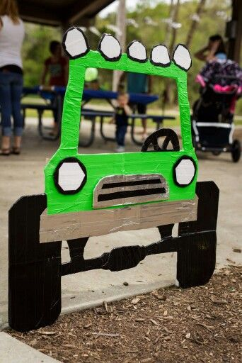 Monster Truck Photobooth  (Duct tape,  cardboard, 2 stakes)