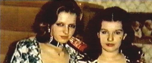 """☢ Babette Döge """"Babsi"""" und Catherine Schabeck """"Stella"""" in 1977."""
