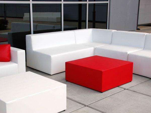 Sofás y sillones para la decoración de locales chill out & lounge http://www.fiaka.es/blog/sofas-para-un-local-chill-out-ii/