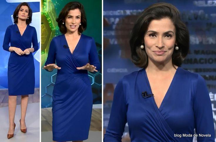 moda do programa Fantástico - look da Renata Vasconcellos com vestido de malha fria azul royal dia 13 de julho/2014 O sapato