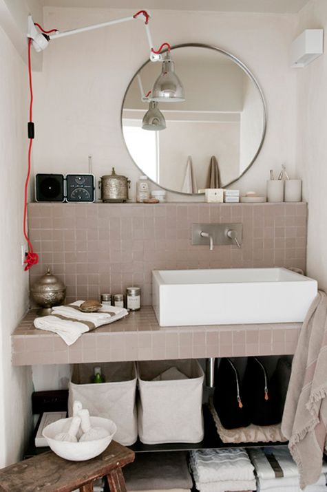 nice bathroom/ desire to inspire - desiretoinspire.net - Superbly subtle