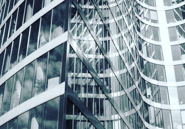 #blackandwhite #blackandwhitephoto #bw #insta_czech #insta_bw #igraczech #igerscz #architecture #modern #glass #urbanism #praha #prague #czechrepublic #czech_insta #czech_world
