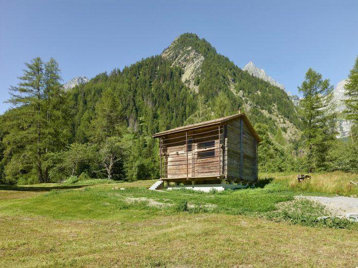 Contemporary barn conversion by Savioz Fabrizzi Architectes in Praz-de-Fort, Switzerland - CAANdesign