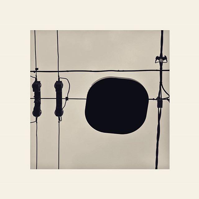 #blackandwhite #bw #circuito #cavi #elettrico #meccanica #energia #energy #highvoltage #altatensione #bologna #lines #art #art #arte