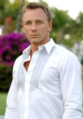 Bond, James Bond: James Of Arci, Eye Candy, Daniel Craig, Bond Girls, White Shirts, Dresses Shirts, James Bond, Danielcraig, Dragon Tattoo