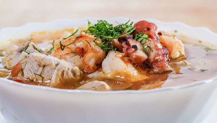 ¿Cuáles son las comidas típicas de la costa ecuatoriana? Chicharrones, Thai Red Curry, Meat, Chicken, Ecuador, Ethnic Recipes, Costa, Food, Gastronomia