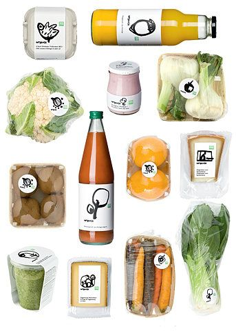 I really appreciate the simple approach taken to create this package design.  It's nice to look at and it makes the food look organic and very adorable.