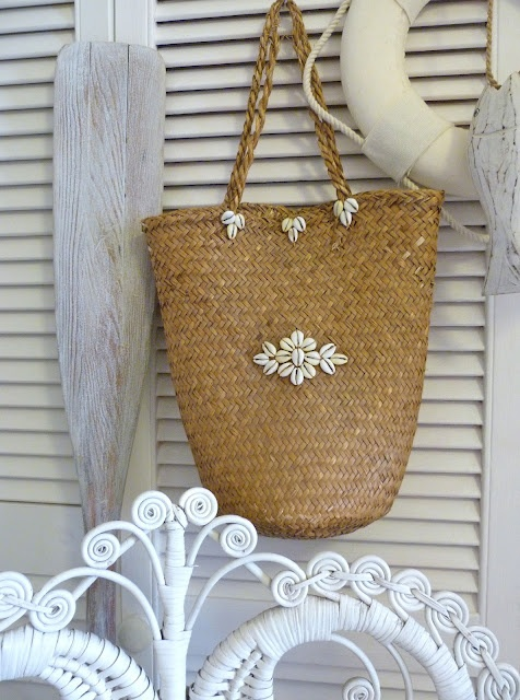 .perfect for shells, sunscreen and a book!