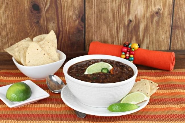 Slow Cooker Spicy Black Bean Soup - It is SPICY, buy a promise to warm ...