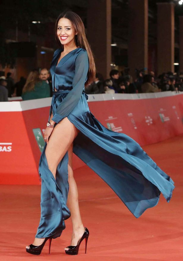 Actress flashes see-through knickers in another Italian wardrobe malfunction - TheCelebrityauction.co