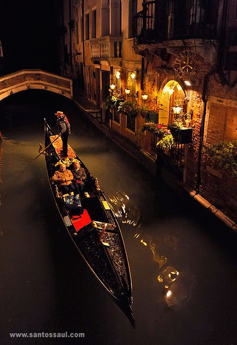 Must Do Venice - number one of six things on http://www.venice-italy-veneto.com/best-of-venice.html