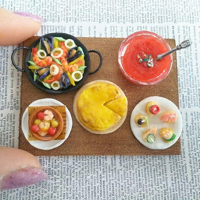 #スペイン料理  #スペイン#パエリア#パエリア#スパニッシュオムレツ#アヒージョ#ガスパチョ#ピンチョス#ムール貝#海老#トマト#ミニチュア#ミニチュアフード#miniature#miniaturefood #tapas#pincho#pintxo#ajillo#paella#tortilla#tortillaespañola#gazpacho#pomodoro#egg#spanish