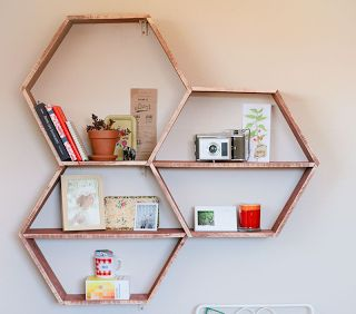 diy honeycomb wall shelving, honeycomb, diy, shelving