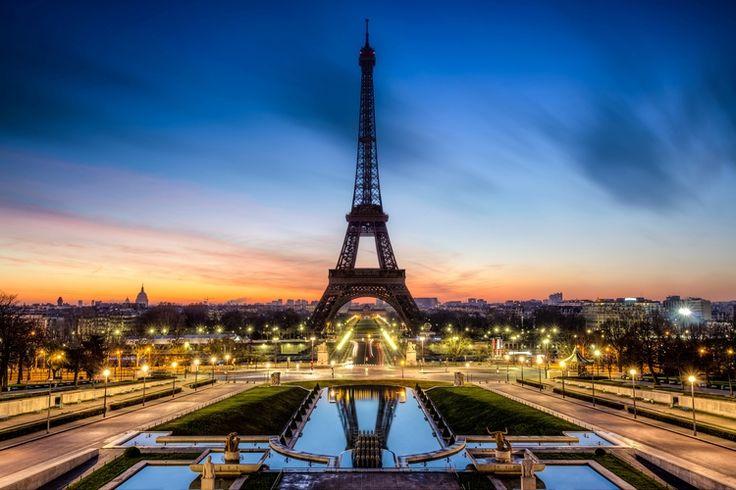 Paris, Franța, Turnul Eiffel, seara, apus