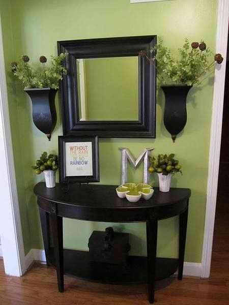 Love this for when you first walk in, I would change the color of the flowers!