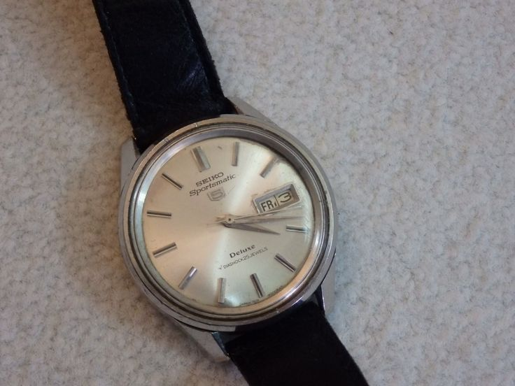 Vintage SEIKO 5 Automatic 7019-9000 Sportsmatic Deluxe Diashock 25 jewels. 38mm