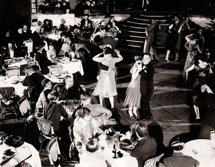 Танцующие пары на танцполе Принцесса в Лондоне.1927