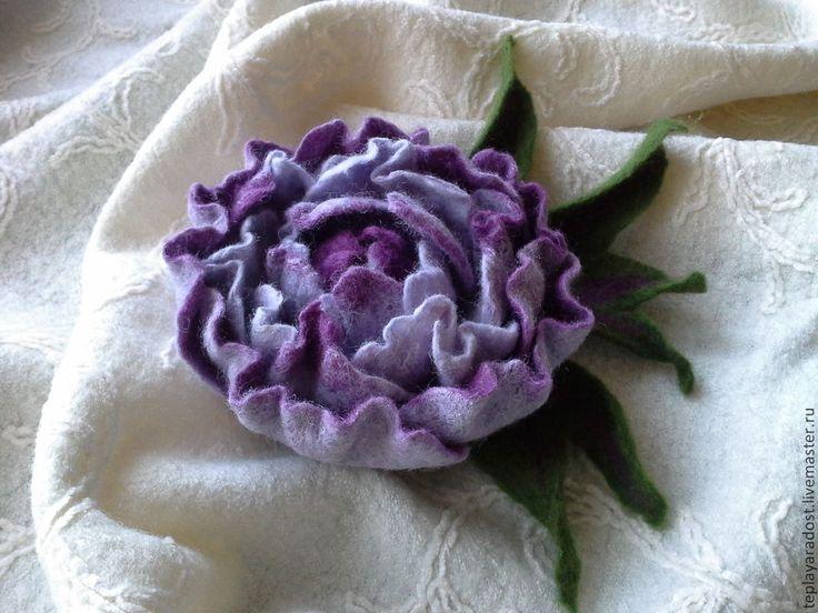 """Купить Брошь """"Недосказанность"""" - тёмно-фиолетовый, украшения ручной работы, брошь валяная, цветы из шерсти"""