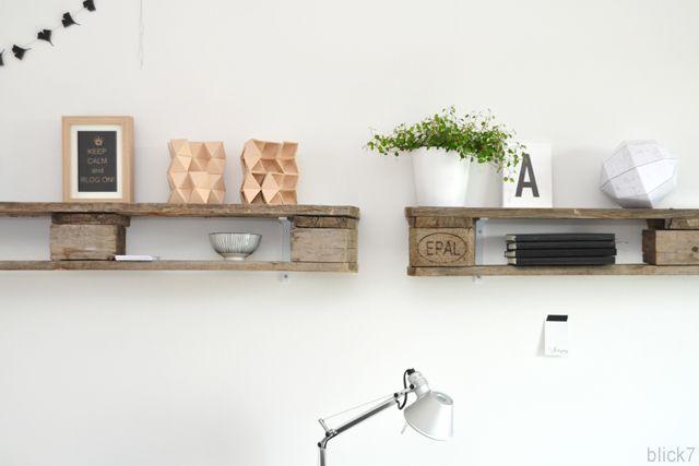 Diy palettenregal im arbeitszimmer home office arbeitszimmer pinterest - Palettenregal selber bauen ...