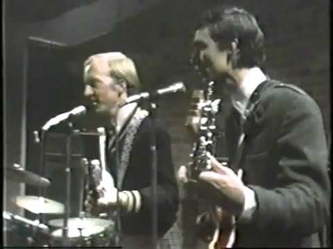 ALEX CHILTON AND THE BOX TOPS LIVE AT THE BITTER END IN 1967