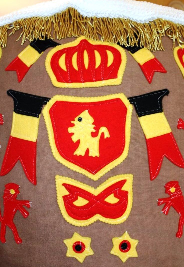 applique Gilles de Binche costume