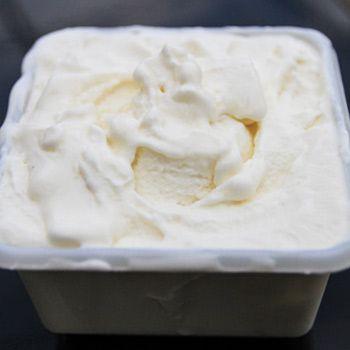 Idées de recettes avec du lait concentré sucré (glaces et crèmes glacées, avec ou sans sorbetière, milk-shake, café vietnamien, batida de coco...).