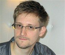 Tras llamada de EE.UU. a Ecuador, Snowden solicitó asilo político a Rusia - Cachicha.com
