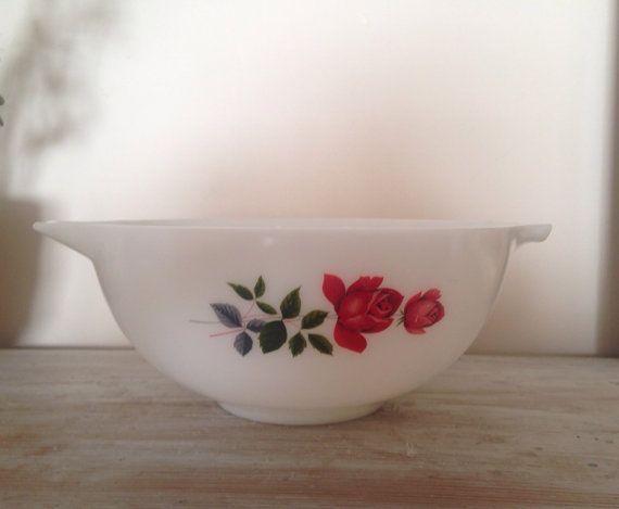 JAJ Pyrex June Rose Cinderella Nesting Bowl No 443 by fountainalia