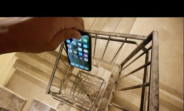 Best Dropping An Iphone Xs Down Crazy Spiral Staircase 300 Feet 400 x 300