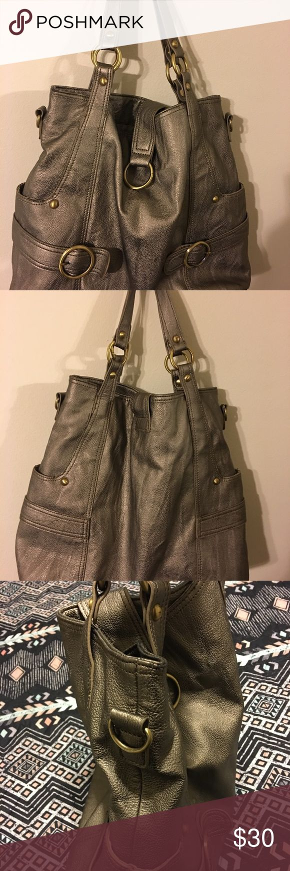 Timi & Leslie oversized bag Timi & Leslie oversized bag.  Comes with strap to make a crossbody Timi & Leslie Bags Totes
