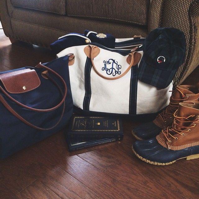 navy fall essentials #llbean #longchamp