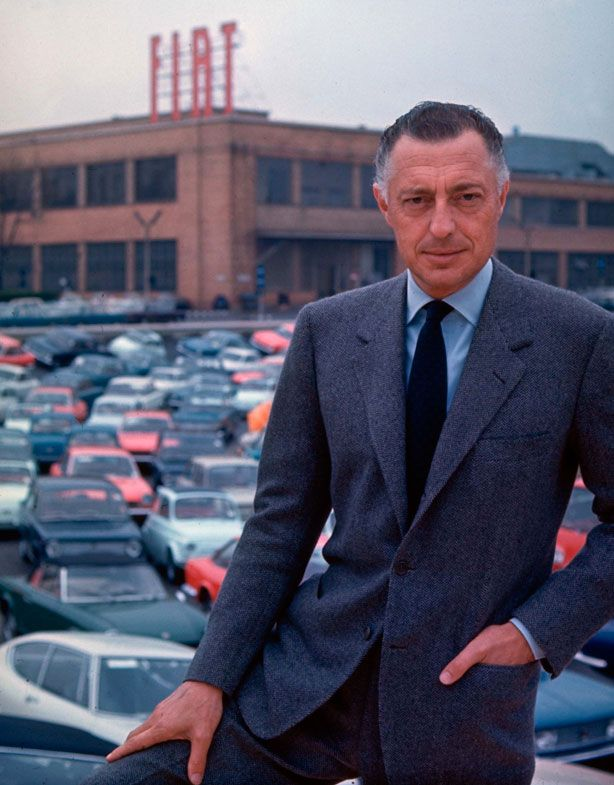 Gianni Agnelli on the spread collar