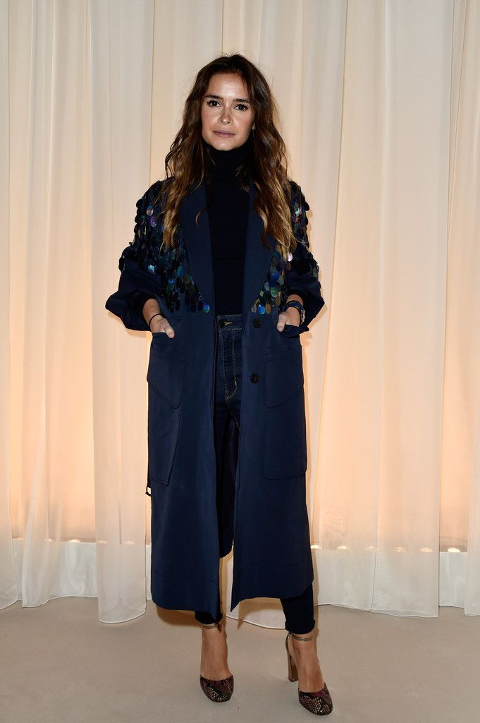 Miroslava Duma Photos - Lanvin : Front Row - Paris Fashion Week Womenswear Fall/Winter 2016/2017 - Zimbio