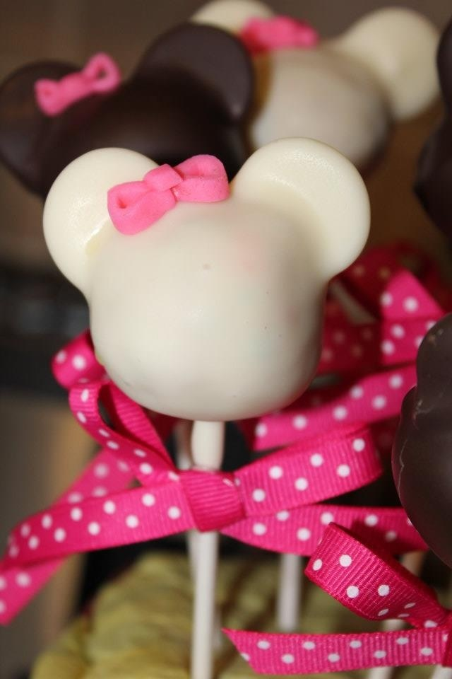 minnie mouse cake pops 45 best images about theme mickey amp minnie cakepops on 5943