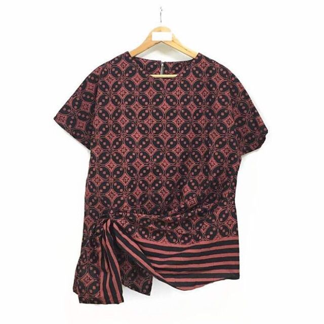 Temukan dan dapatkan Blouse batik pendek hanya Rp 118.000 di Shopee sekarang juga! http://shopee.co.id/nurika.batik/243024143 #ShopeeID