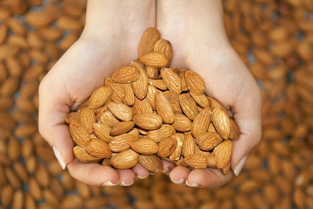 Almonds - why do they call them superfood? >>> visit the website to find amazing benefits and ideas