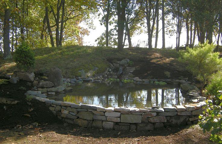 254 best images about jardin en pente sloping garden on for Pond edging ideas