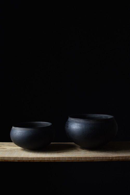 黒大鉢(陶胎漆器) / 安齊賢太