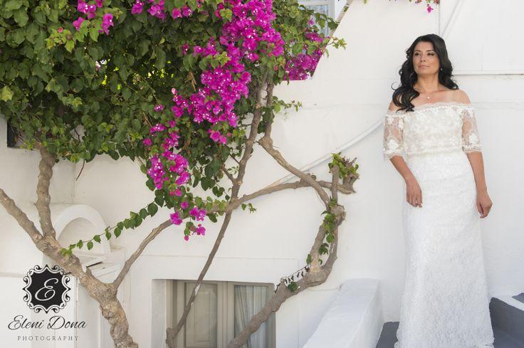 Destination wedding in Santorini. Bridal preparation.