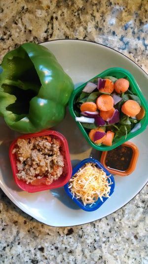 21 Day Fix - Stuffed Peppers - pepper (1 green), ground turkey (2 red), cheese (1 blue), salad (1 green), 21DF Balsamic dressing (1 orange)