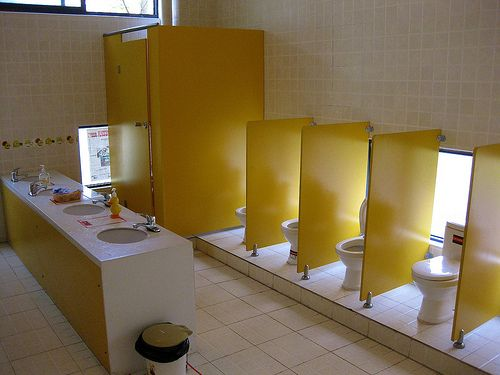 17 Best images about Toilettes maternelles on Pinterest ...