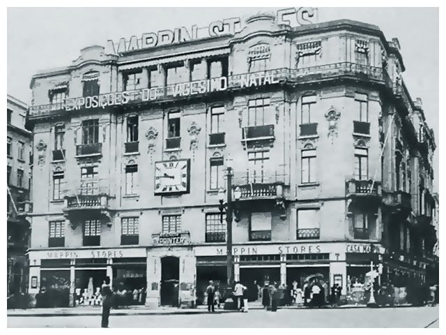 Mappin Stores, prédio da famosa loja que ficava na Praça do Patriarca. Foto da década de 1920. Esse prédio foi a segunda residência do Barão de Iguape antes de ser a segunda sede da Mappin Stores.