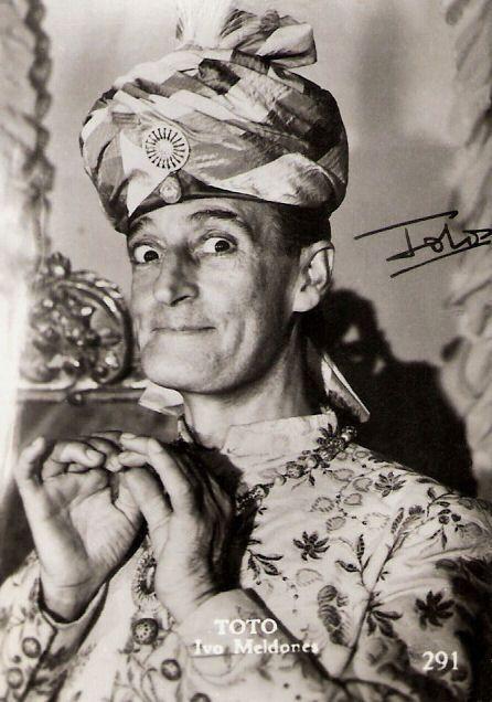 TOTO' (Antonio Focas Flavio Angelo Ducas Comneno De Curtis di Bisanzio Gagliardi; 1898 - 1967).