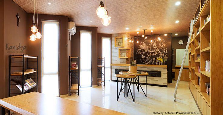 library panorama #brown #warm #ambience #industrial #steel #black #interiordesign