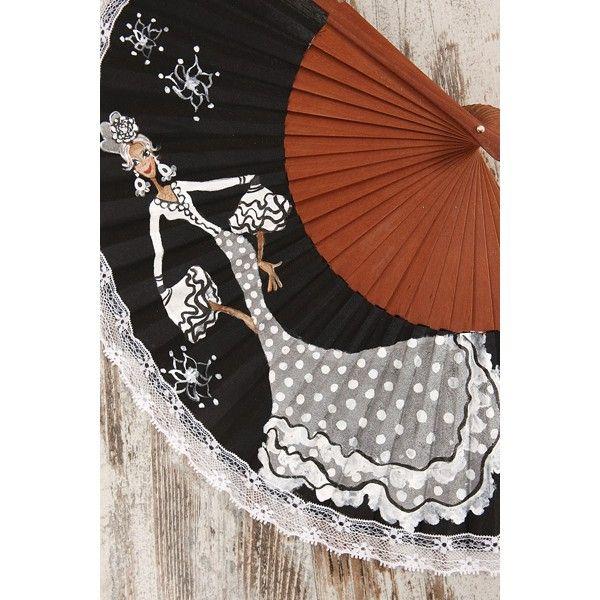 """Para sofocar el calor de la feria y del verano, recomendamos el Abanico Mujer Flamenca nº 3 vestida con cuerpo en blanco y falda en gris de lunares blancos y detalles negro y blancos. Palillería en madera y tela negra pintado a mano, con puntilla de encaje blanco bordeando el exterior. """"Las Marielitas"""" presentan en su colección """"27 lunares"""" a unas flamencas estilosas, elegantes y con mucho arte. Son diseños exclusivos y únicos: en los producto artesanales, no hay nunca dos iguales"""