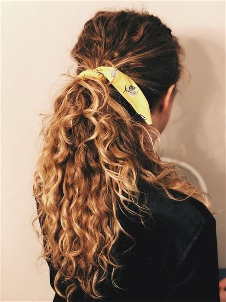 Cute And Pretty Curly Hairstyles To Look Stylish In 2020 Page 36 Of 44 Cute Hostess For Modern Women Hair Styles Curly Hair Accessories Curly Hair Styles