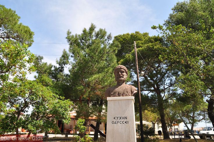 The bust of Odysseus in Stavros  Eiland-Ithaki-Ithaca-foto044.jpg (1200×797)